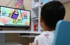 Survei Kemendikbud: 20% Responden Siswa Minta Durasi Tayangan BDR di TVRI Ditambah - JPNN.com