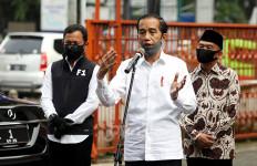Jokowi Lambaikan Tangan di Tengah Kerumunan, Kubu Habib Rizieq Merespons Begini - JPNN.com