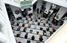 Jumatan di Singapura, Mendaftar Melalui Internet, Diawasi Ketat Sama Polisi - JPNN.com