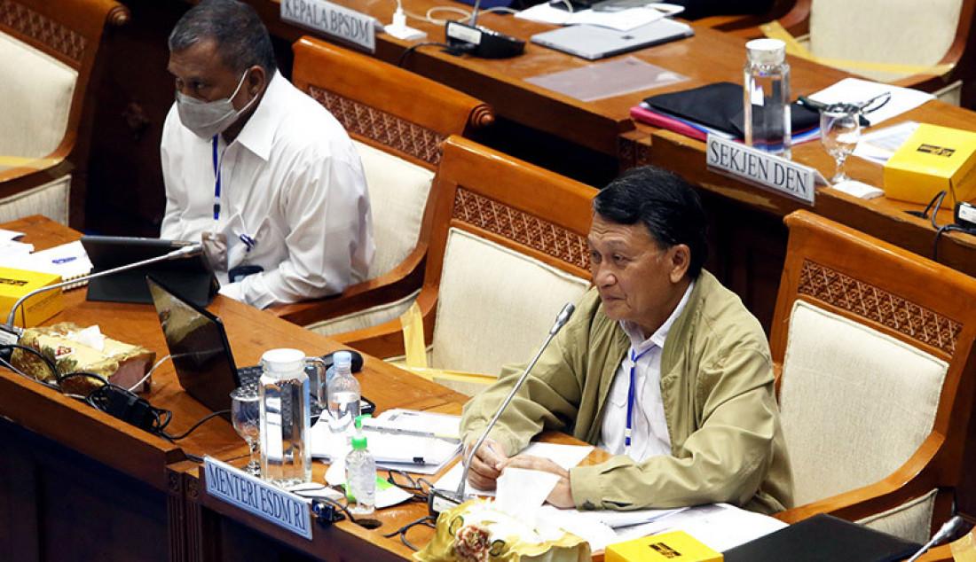 Menteri ESDM Arifin Tasrif saat rapat kerja dengan Komisi VII DPR, Jakarta, Selasa (23/6). Rapat membahas evaluasi realisasi dan serapan anggaran APBN Tahun 2020, kebijakan refocusing anggaran Tahun 2020 sebagai dampak dari Covid-19, serta program Kementerian ESDM RI Tahun 2020. Foto: Ricardo - JPNN.com