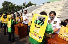 MPR Peduli dan Gerak BS Bagikan Asuransi, Partisi, dan Paket Sembako Buat Ojol - JPNN.com