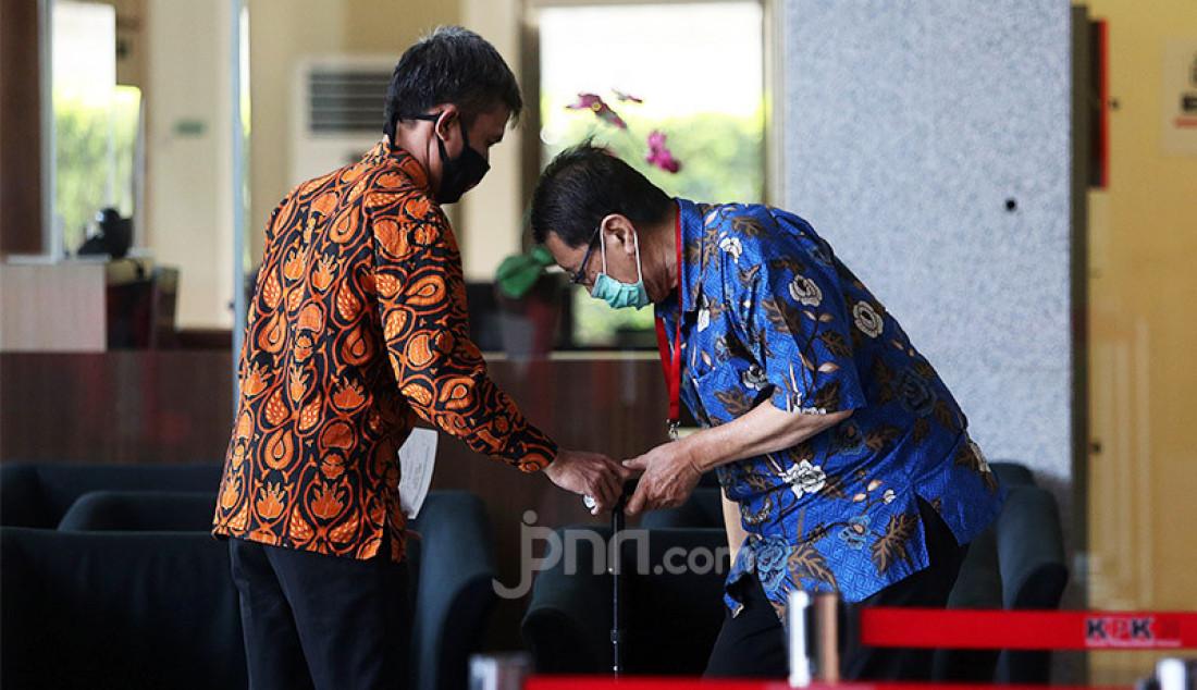 Direktur Utama PT Abadi Sentosa Perkasa Didi Laksamana menjalani pemeriksaan di Gedung KPK, Jakarta, Rabu (1/7). Didi Laksamana diperiksa sebagai saksi untuk tersangka mantan Direktur Utama PT Dirgantara Indonesia (Persero) (PTDI), Budi Santoso terkait dugaan korupsi penjualan dan pemasaran pesawat pada PT. Dirgantara Indonesia pada tahun 2007-2017. Foto: Ricardo - JPNN.com