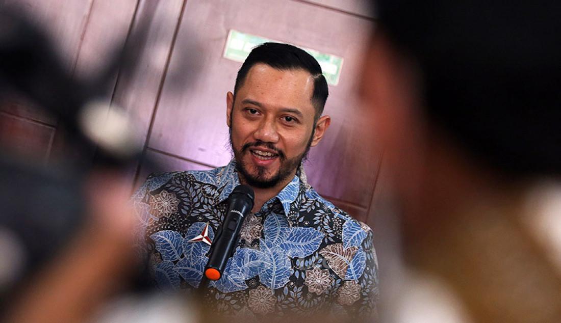 Ketum Partai Demokrat Agus Harimurti Yudhoyono memberikan keterangan pers usai melakukan pertemuan dengan Ketum PKB Muhaimin Iskandar di Kantor DPP PKB, Jakarta, Rabu (8/7). Pertemuan tersebut membahas koalisi Pilkada 2020. Foto: Ricardo - JPNN.com