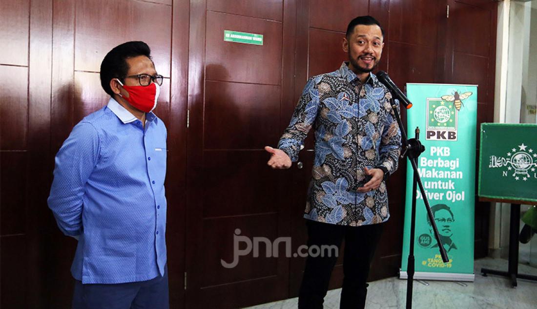 Ketum Partai Demokrat Agus Harimurti Yudhoyono usai melakukan pertemuan dengan Ketum PKB Muhaimin Iskandar di Kantor DPP PKB, Jakarta, Rabu (8/7). Pertemuan tersebut membahas koalisi Pilkada 2020. Foto: Ricardo - JPNN.com