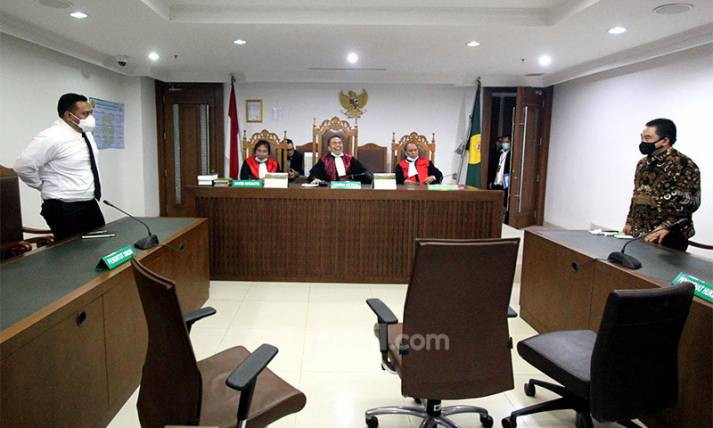 Majelis Hakim Tunda Pengesahan PKPU KCN - JPNN.com