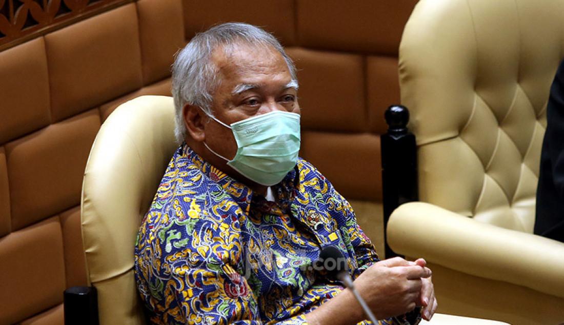 Menteri PUPR Basuki Hadimuljono saat mengikuti rapat kerja dengan Komisi V DPR, Jakarta, Rabu (15/7). Rapat tersebut membahas tindak lanjut Hapsem BPK Semester I dan II Tahun 2019. Foto: Ricardo - JPNN.com
