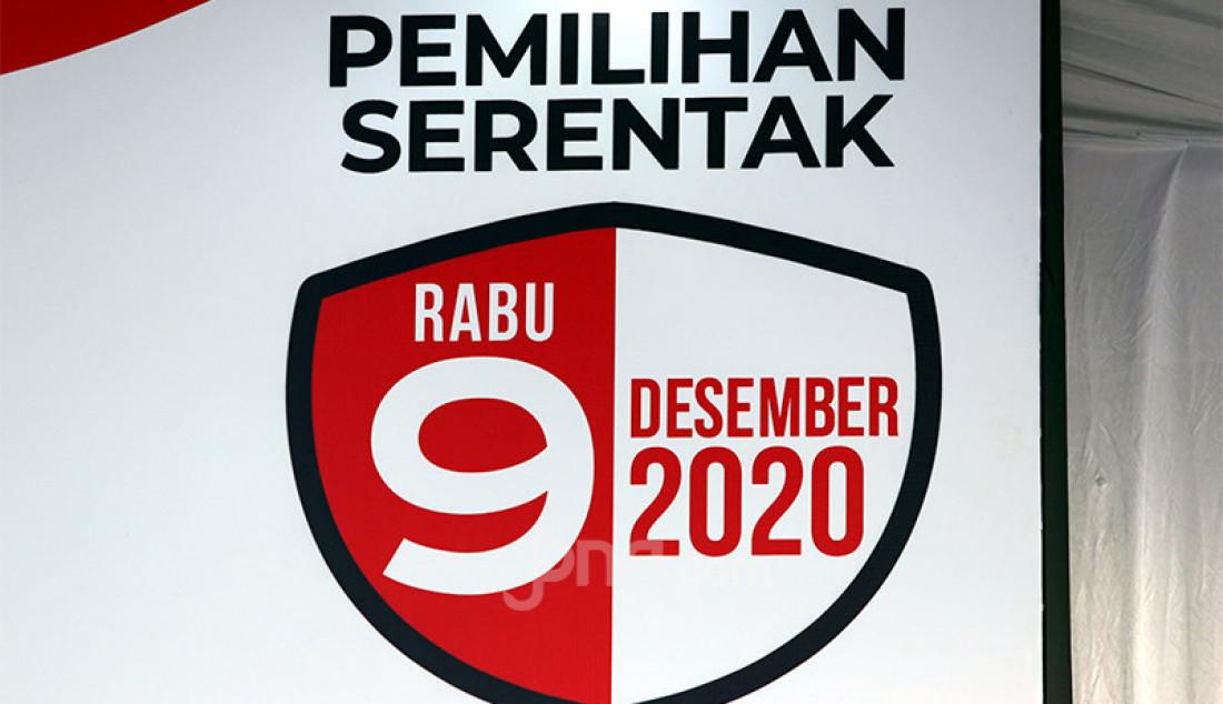 Simulasi pemungutan suara pemilihan serentak 2020, Jakarta, Rabu (22/7). Simulasi tersebut digelar untuk memberikan edukasi kepada masyarakat terkait proses pemungutan dan penghitungan suara Pilkada serentak 2020 yang akan dilaksanakan pada 9 Desember 2020 dengan menerapkan protokol kesehatan COVID-19. Foto: Ricardo - JPNN.com