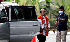 Bupati Kutai Timur Nonaktif Ismunandar Diperiksa KPK - JPNN.com