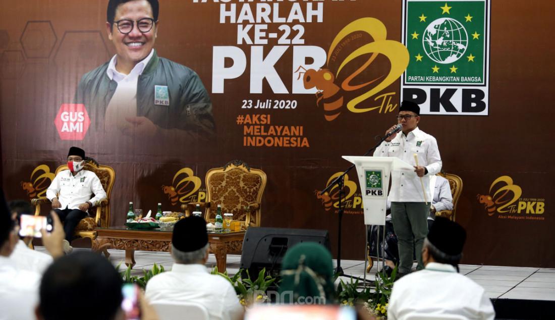 Ketum DPP PKB Abdul Muhaimin Iskandar saat menyampaikan pidato politik pada acara Harlah PKB ke-22 di Kantor DPP PKB, Jakarta, Kamis (23/7). Cak Imin berharap semua kader PKB bekerja keras agar suara PKB bisa naik di Pemilu selanjutnya. Foto: Ricardo - JPNN.com