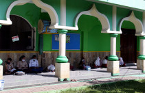 Dewan Kemakmuran Masjid Bantu Siswa Belajar Daring - JPNN.com