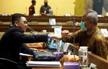Rapat Dengar Pendapat Komisi II DPR dengan KPU, Bawaslu dan DKPP - JPNN.com