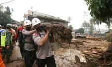 Banjir Hancurkan Perkampungan di Cicurug Sukabumi - JPNN.com