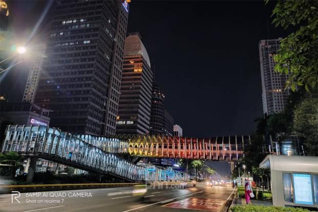 Realme 7: Jakarta Malam Hari Saat PSBB