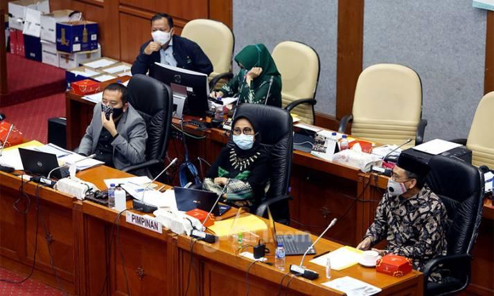 Rapat Kerja Komisi X DPR dan Mendikbud Nadiem - JPNN.com