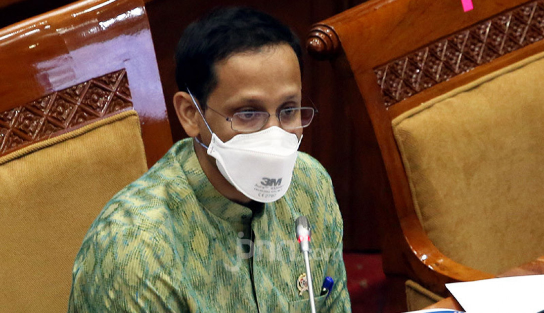 Mendikbud Nadiem Makarim rapat kerja dengan Komisi X DPR, Jakarta, Rabu (23/9). Rapat ini membahas penyesuaian RKA KL TA 2021 Sesuai Hasil Pembahasan Badan Anggaran. Foto: Ricardo - JPNN.com