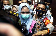 Terjerat Kasus Djoko Tjandra, Pinangki yang Dulu Bergaya Sosialita Kini Sering Tampil Berjilbab Syar'i di Sidang - JPNN.com