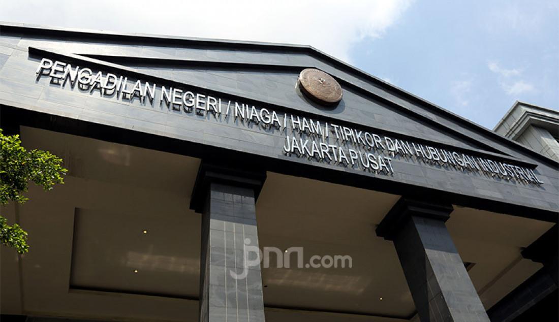 Pengadilan Negeri Jakarta Pusat (Jakpus) di Jakarta, Rabu (7/10). PN Jakpus melakukan penutupan sementara selama 3 hari pada 7-9 Oktober 2020 setelah ada pegawainya yang terjangkiti Covid-19. Foto: Ricardo - JPNN.com