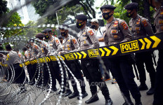 Ribuan Polisi Amankan Sidang Habib Rizieq Hari Ini, Ada Kawat Berduri - JPNN.com
