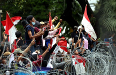 Gebrak Demo Hari Ini di Depan Istana, Berapa Jumlah Massa ya? - JPNN.com