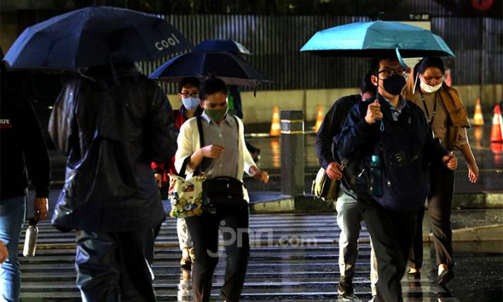 Ingatkan Warga DKI Jakarta Waspadai Hujan Deras Disertai Angin Kencang - JPNN.com