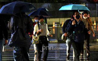 BMKG: Hujan Disertai Petir dan Angin Kencang Berpotensi terjadi di Beberapa Wilayah