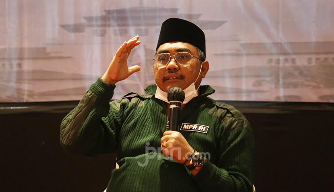 Wakil Ketua MPR Jazilul Fawaid saat berbicara pada diskusi bertema 'Visi Misi NKRI Bagi Calon Kepala Daerah' di Bandung, Jawa Barat, Sabtu (7/11). Foto: Ricardo - JPNN.com