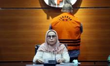 KPK Jebloskan Mantan Anggota DPR Irgan Chairul Mahfiz ke Tahanan - JPNN.com