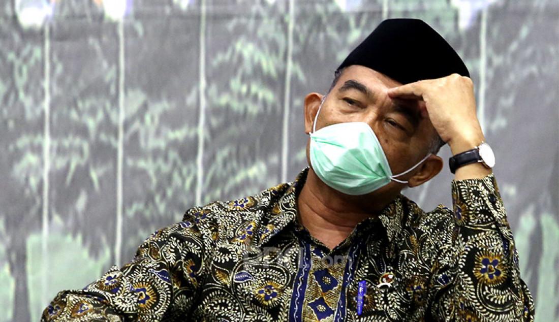 Menko Pembangunan Manusia dan Kebudayaan (PMK) Muhadjir Effendy menjadi pembicara pada diskusi Empat Pilar MPR RI yang mengangkat tema 'Mengoptimalkan SDM di Tengah Pandemi Covid-19' di Jakarta, Rabu (2/12). Foto: Ricardo - JPNN.com