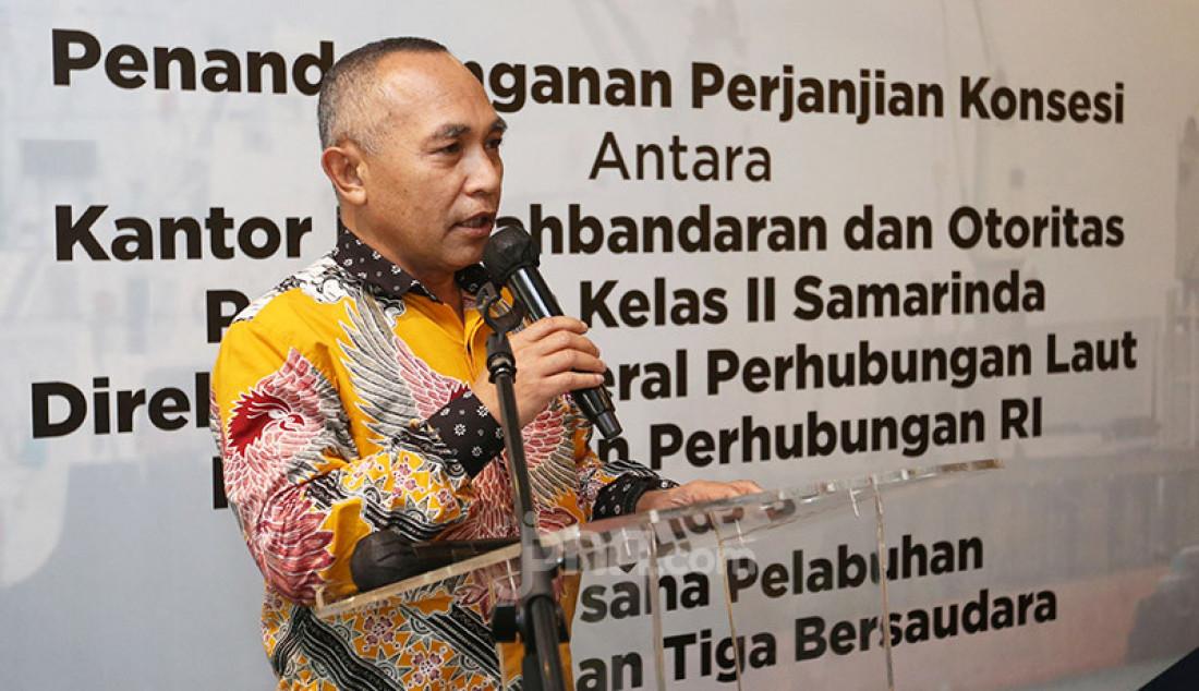 Kepala KSOP Kelas II Samarinda Dirjen Perhubungan Laut Kemenhub Muklish Tohepaly pada acara penandatanganan perjanjian kerja sama pemberian izin pengusahaan pelabuhan di Jakarta, Jumat (4/12). Foto: Ricardo - JPNN.com