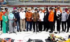 Komisi V DPR Kunjungi Lokasi Posko SAR Sriwijaya Air SJ182 - JPNN.com