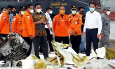 Pimpinan DPR Tinjau Posko SAR Sriwijaya Air SJ182 - JPNN.com