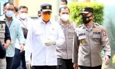 Menhub Budi Karya & Dirut Sriwijaya Air Sambangi Posko Antemortem-DVI SJ812 - JPNN.com