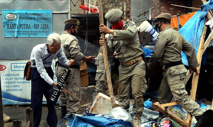 Pemkot Bogor Tertibkan PKL di Kawasan Pasar Kebon Kembang