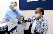 Menteri Nadiem Targetkan 5 Juta Guru Terima Vaksinasi Covid-19 - JPNN.com