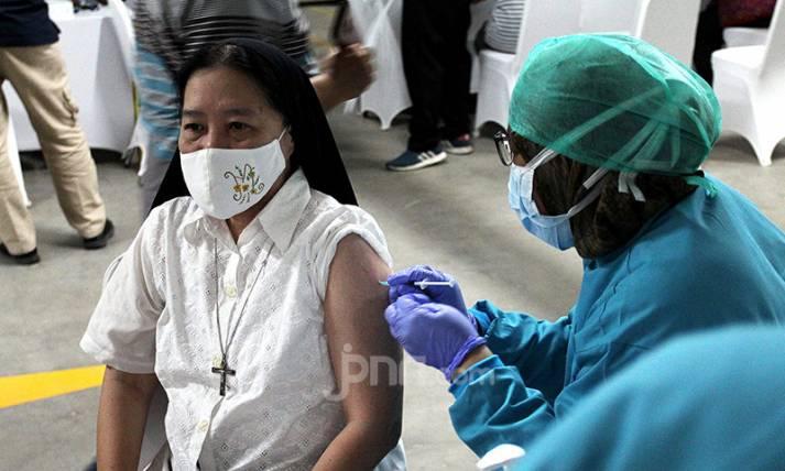 Vaksinasi Covid-19 di Masjid Istiqlal untuk Para Pemuka Agama - JPNN.com