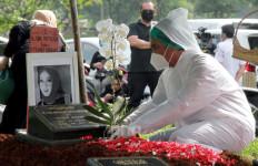 Mengenang Rina Gunawan, Teddy Syah: Jangan Sampai Ada Amal Ibadahnya yang Enggak Dilakukan - JPNN.com