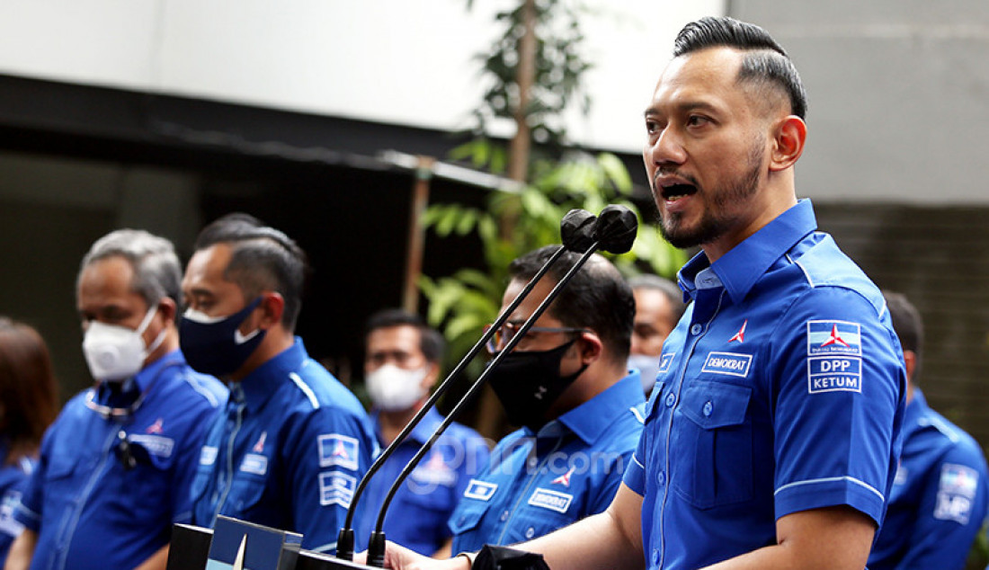 Ketum Partai Demokrat Agus Harimurti Yudhoyono memberikan keterangan pers di Kantor DPP Partai Demokrat, Jakarta, Rabu (31/3). Foto: Ricardo - JPNN.com