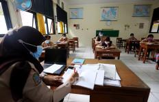 Kemendikbud Sebut Sekolah Wajib Sediakan PTM Terbatas Setelah Satuan Pendidikan Jalani Vaksinasi Covid-19 - JPNN.com