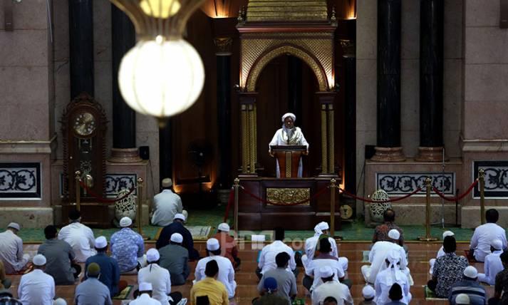Jumatan Perdana pada Masa Ramadan - JPNN.com