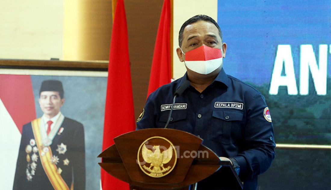 Kepala Badan Pelindungan Pekerja Migran Indonesia (BP2MI) Benny Rhamdani memberikan sambutan pada penandatanganan nota kesepahaman atau MoU antara BP2MI dengan Pemkab Minahasa Utara di Jakarta, Rabu (21/4). Foto: Ricardo - JPNN.com
