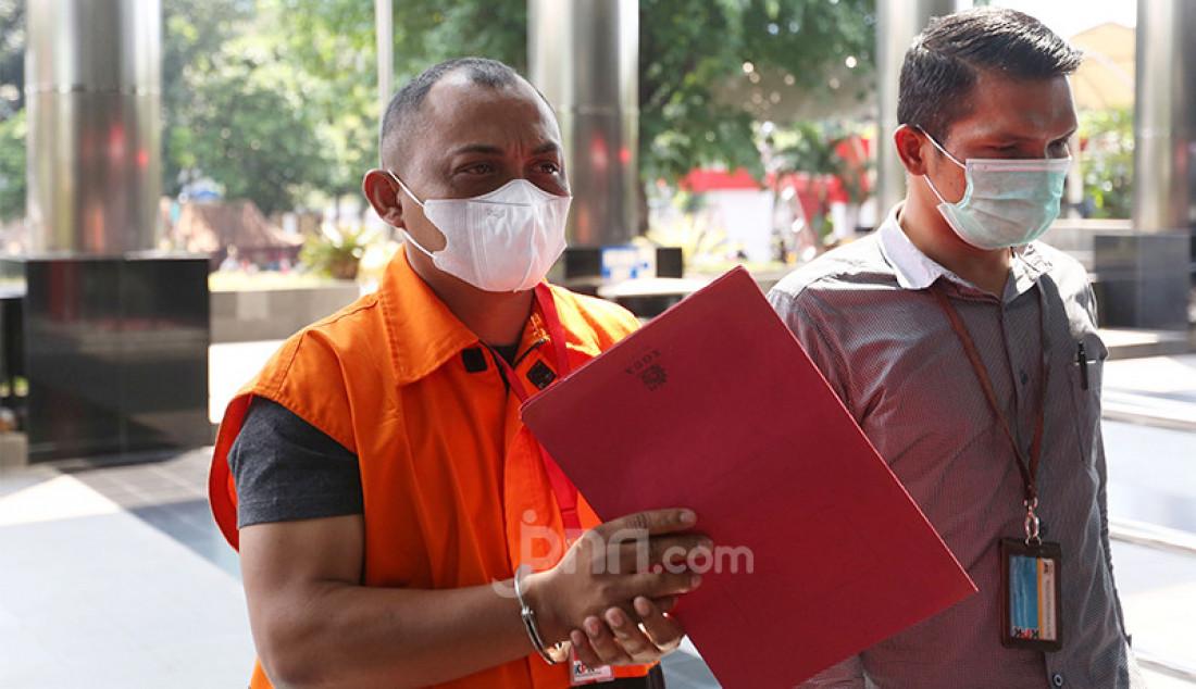 Pengacara Maskur Husain saat tiba di Gedung KPK, Jakarta, Senin (26/4). Foto: Ricardo - JPNN.com
