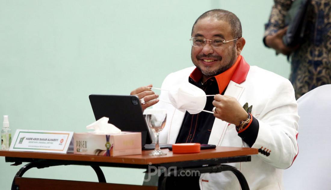 Sekretaris Jenderal PKS Habib Aboe Bakar Al Habsy dalam pertemuan bertitel Silaturahmi Kebangsaan di DPP PKB, Jakarta Pusat, Rabu (28/4). Foto: Ricardo - JPNN.com