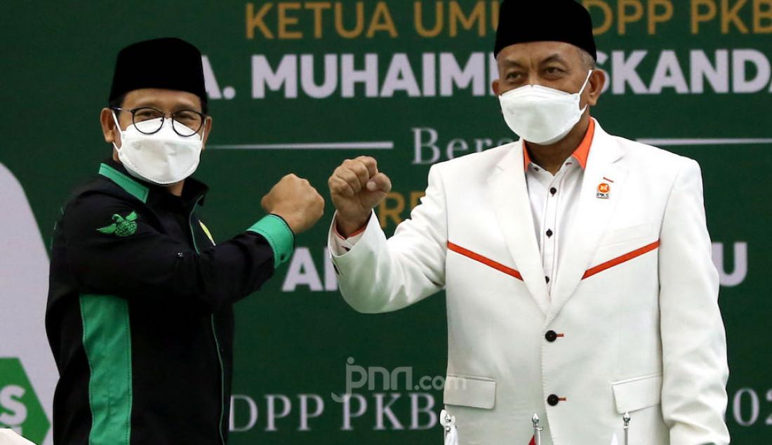 Ketua Umum PKB A Muhaimin Iskandar (kiri) dan Presiden PKS Ahmad Syaikhu dalam pertemuan bertitel Silaturahmi Kebangsaan di DPP PKB, Jakarta Pusat, Rabu (28/4). Foto: Ricardo - JPNN.com