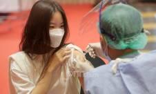 Vaksinasi Covid-19 di Grand Indonesia - JPNN.com