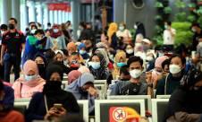 Lonjakan Penumpang di Stasiun Pasar Senen Jelang Larangan Mudik - JPNN.com