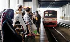 Penutupan Stasiun Tanah Abang Berimbas Kepadatan Penumpang - JPNN.com