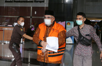 Foto 2 Politikus PPP Jadi Terdakwa Suap DAK Labuhanbatu Utara - JPNN.com