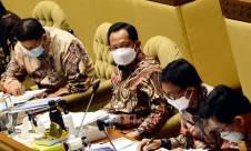 Mendagri Tito Karnavian Hadiri Raker Komisi II DPR - JPNN.com