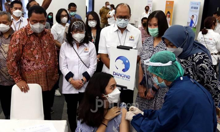 Vaksinasi Gotong Royong untuk Pekerja Danone Indonesia - JPNN.com